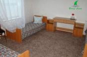 8-room-3