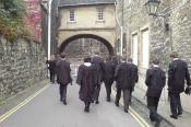 800px-oxford_university_students_academic_dress